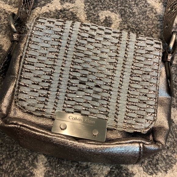 f4992c4c014 Calvin Klein Bags | Silver Metallic Crossbody | Poshmark